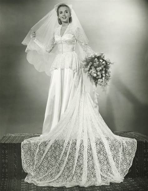 Best 25  1940s wedding dresses ideas on Pinterest   1940s