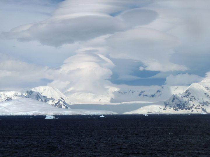 nube lenticular antartida
