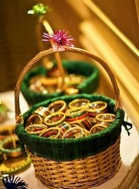Bangles as Mehndi favours. Only shades of pink?   deco
