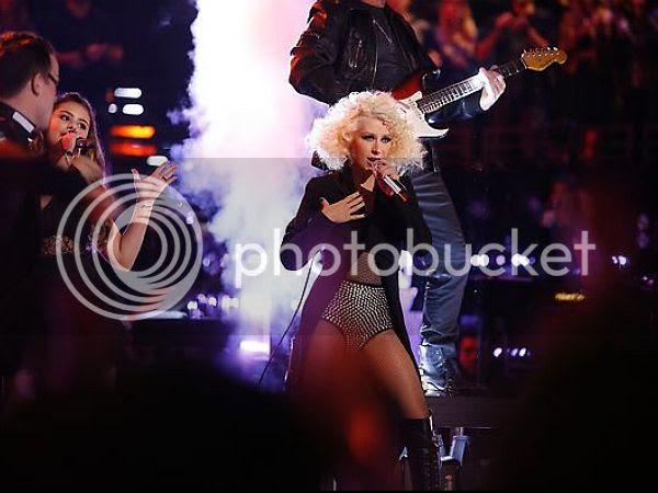 Watch: Christina Aguilera performs Michael & Janet Jackson medley...
