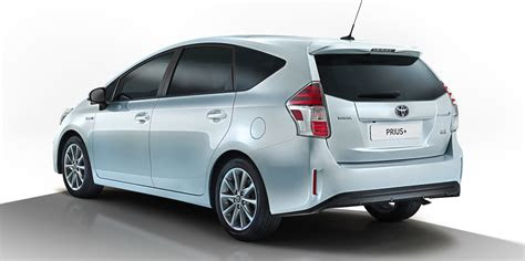 toyota prius  facelift revealed  caradvice