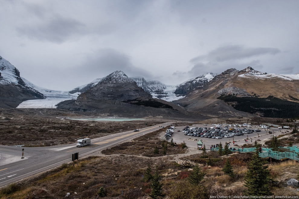 Columbia Icefield. Ледник Athabasca