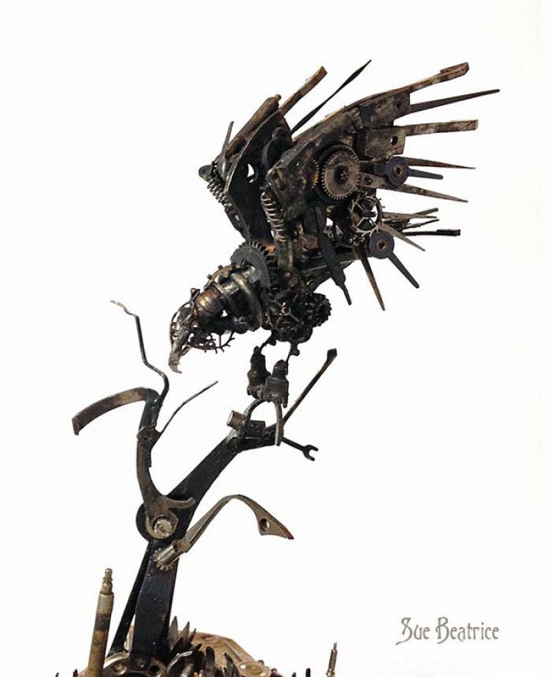 Pequenas esculturas steampunk feitas à base de relógios reciclados 10