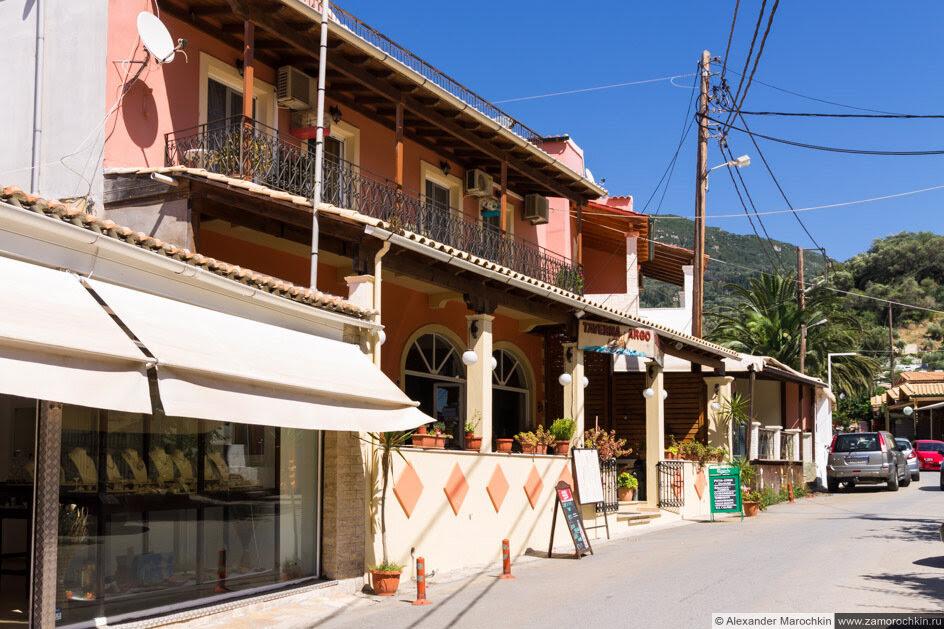 Магазин и таверна в Агиос Гордиос