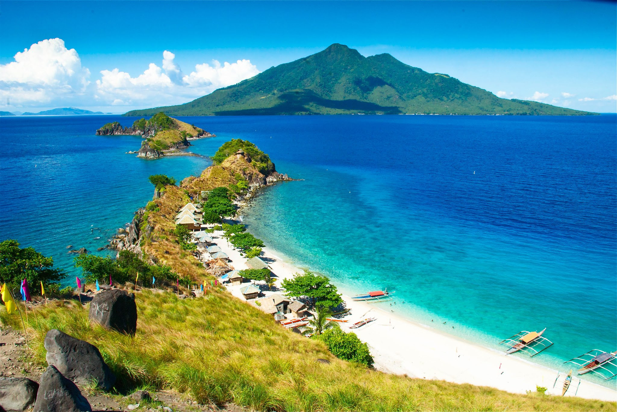 5 Off the Beaten Track Islands in the Philippines ...