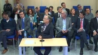 La declaració de Marco Antonio Tejeiro, amb la infanta i Urdangarin al fons