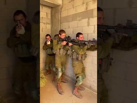 Speaking Yiddish at IDF Training