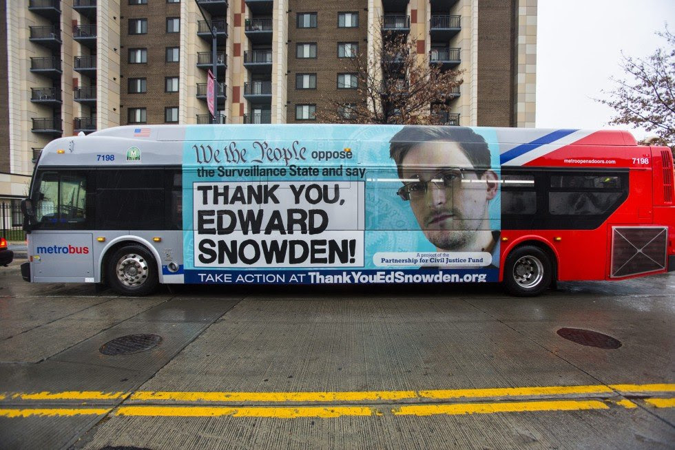http://www.scmp.com/sites/default/files/styles/980w/public/2013/12/05/usa_snowden_bus.jpg?itok=kd0XlIuY