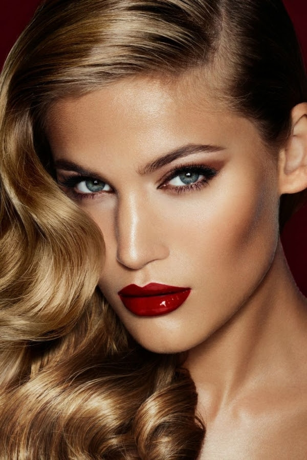 Makeup styles that go good with red