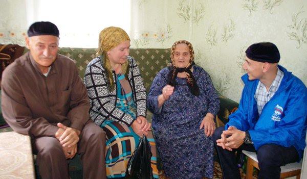 В День пожилых людей единороссы организовали благотворительные акции в районах Чеченской Республики