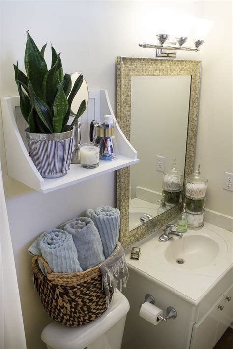 Small Rental Bathroom Makeover ? 2   Not a Passing Fancy