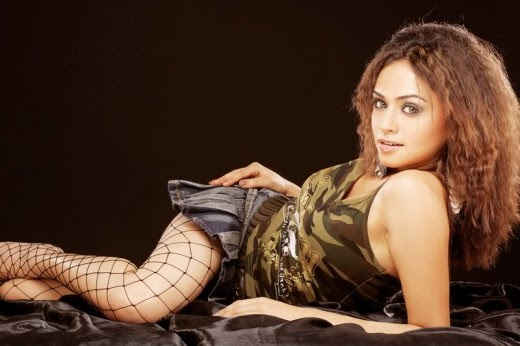 Amruta Khanvilkar Indian Bollywood and Marathi Film Actress and Dancer very hot and sexy stills
