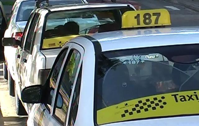 Carlos Paz premiará al taxista entrerriano que encontró 300 mil pesos y los devolvió