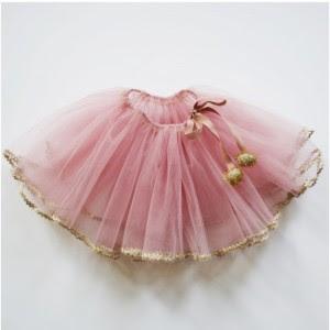 thumb_atsuyo-et-akiko-golden-pink-tutu_1_1024