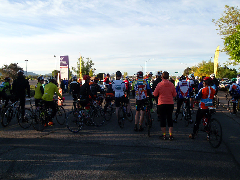 Riders are beginning to line up for the start.