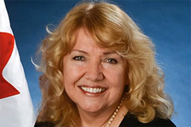 La sénatrice Lynn Beyak.... (Photo tirée du site du Parlement du Canada)