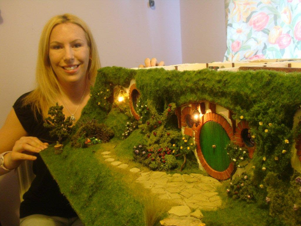 My Hand Made Hobbit Hole – Bag End from Lord of the Rings ...