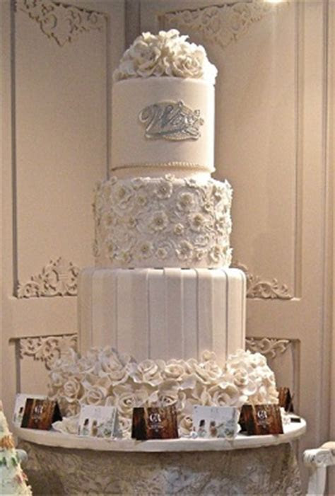 The Bride Show 2012 Dubai: Wedding Cakes   Arabia Weddings