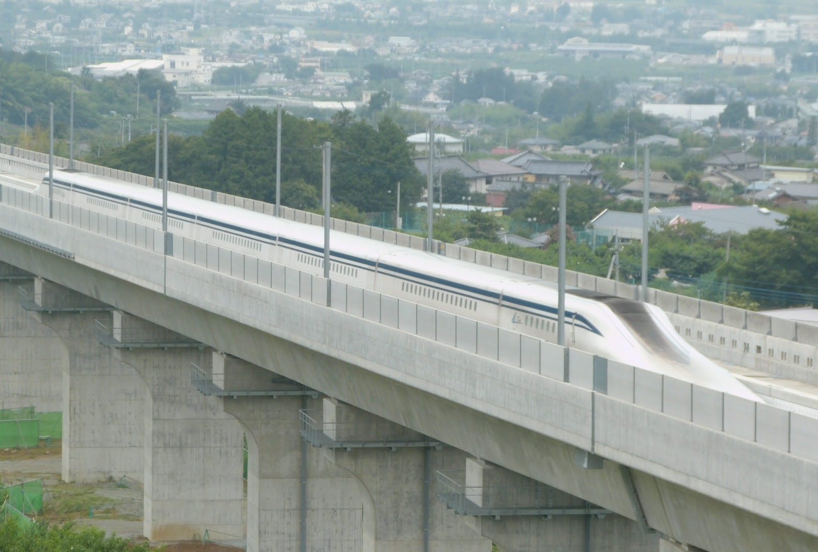 JR Central SCMaglev L0 Series Shinkansen 201408081002.jpg