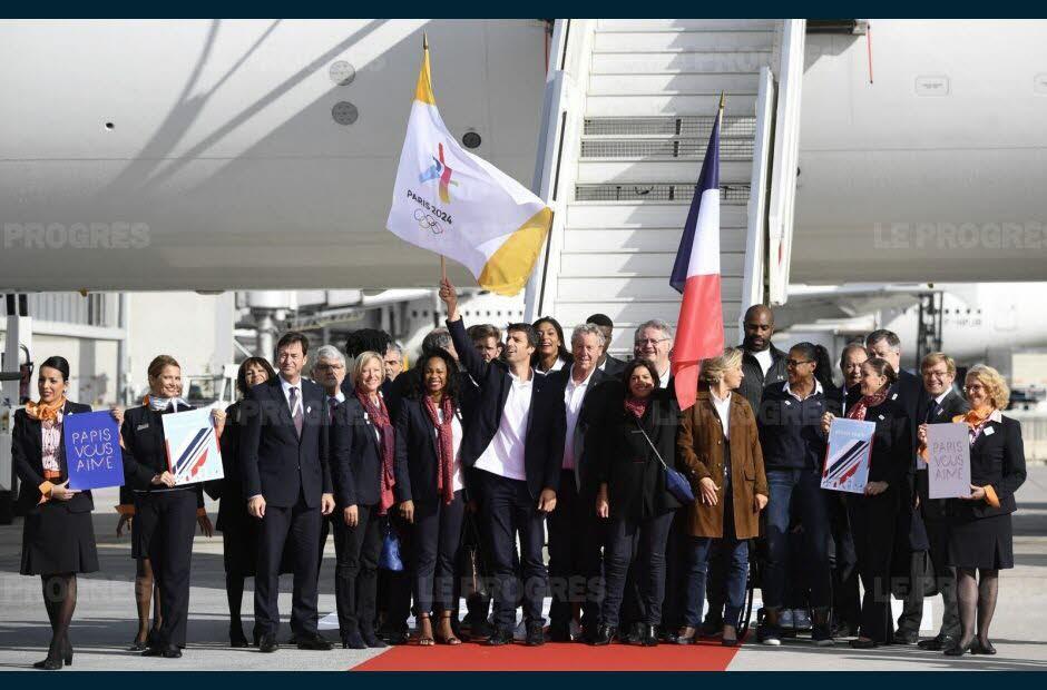 Le voyage aura coûté cher pour la délégation de Paris 2024.  Photo AFP