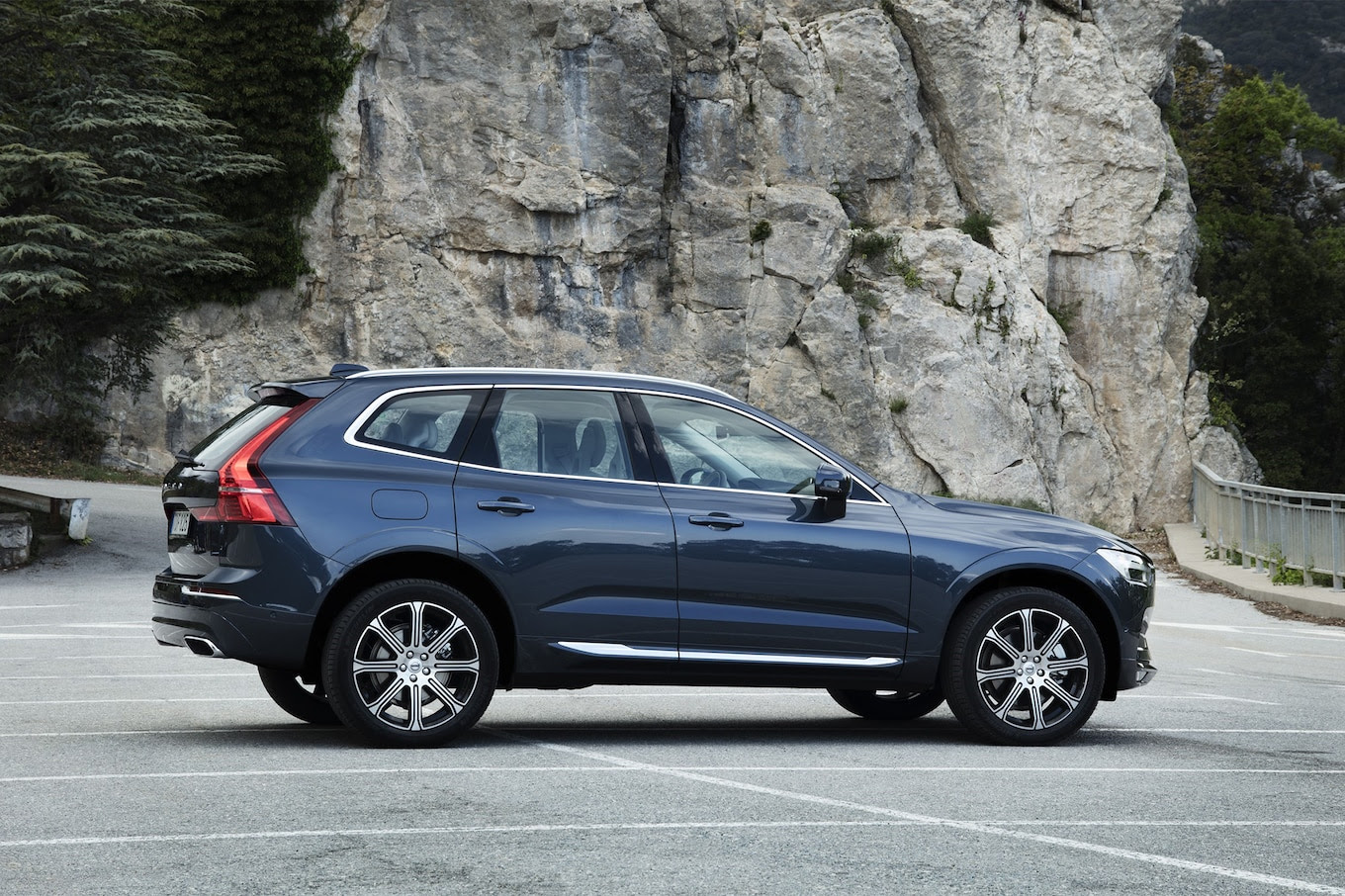 2018 Volvo XC60 Crossover Starts at $42,495  Motor Trend