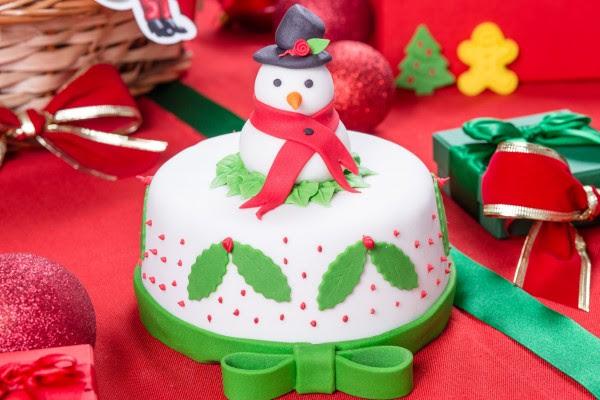 Resultado de imagem para bolos tematicos do tema natalino