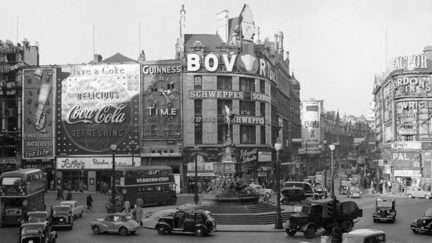 Piccadilly Circus in 1968