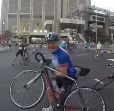 Cape Town Winds Blow Cyclists Off Course