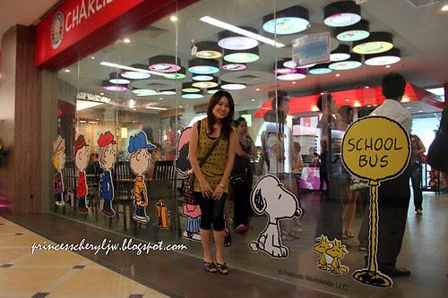 Charlie Brown Cafe 03
