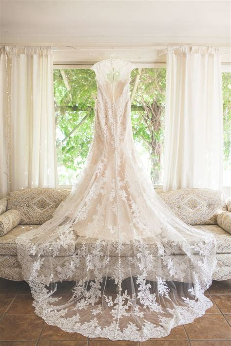 Best 25  Wedding dress train ideas on Pinterest   Amazing