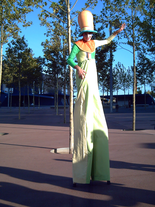 Stiltwalker in Barcelona Forum