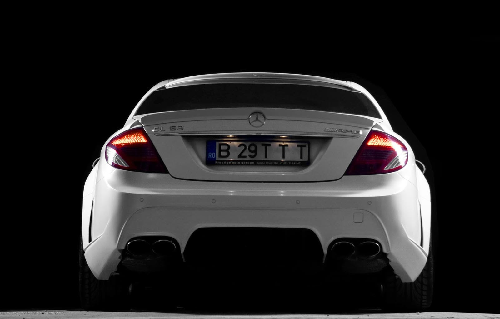 Imagini - Pictorial: Alexandra şi Mercedes-Benz CL 63 AMG
