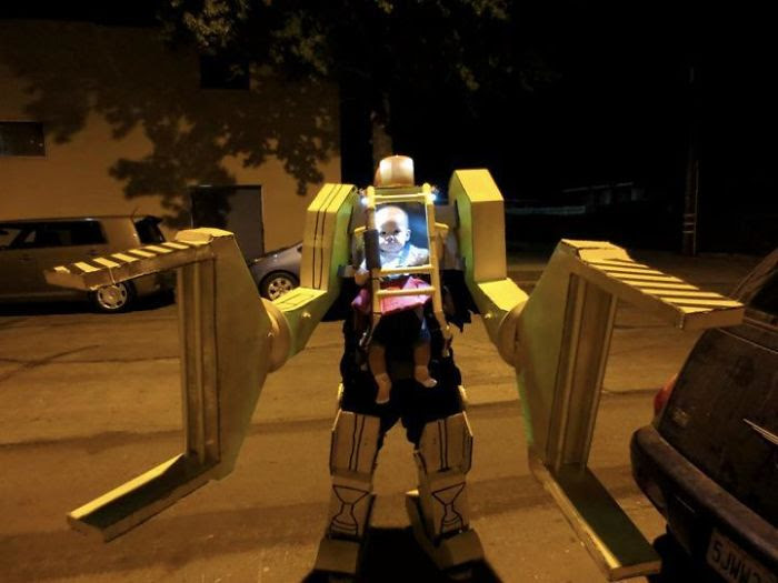 My Friend And His Daughter Dressed As A Work Loader From Aliens