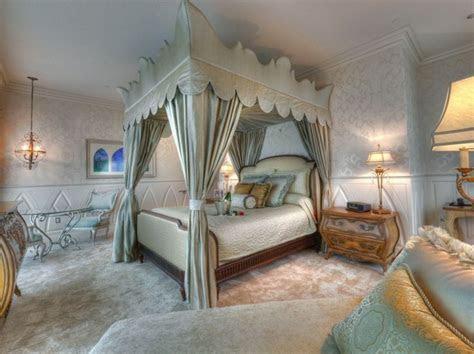 Best 25  Hotel suites ideas on Pinterest   Hotel suites