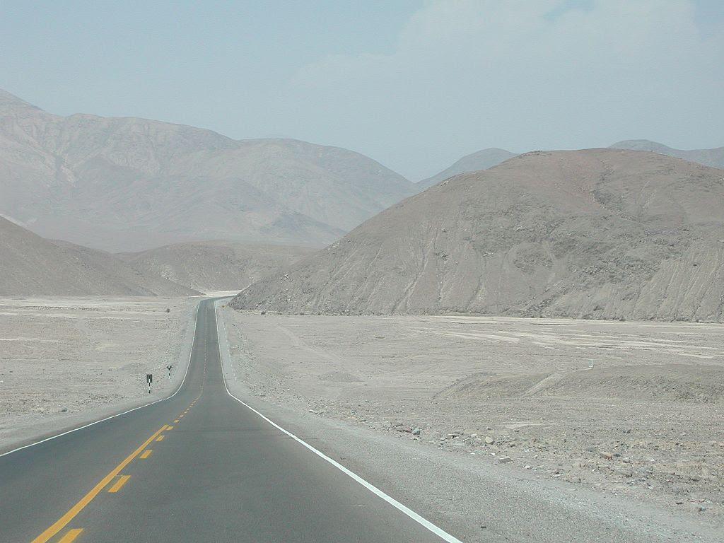 http://upload.wikimedia.org/wikipedia/commons/thumb/2/26/Panamericana_Atacama_Peru.JPG/1024px-Panamericana_Atacama_Peru.JPG