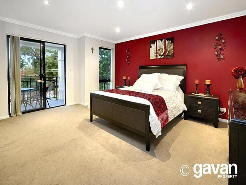 Red And Cream Bedroom Decorating Ideas - Bedroom Designs