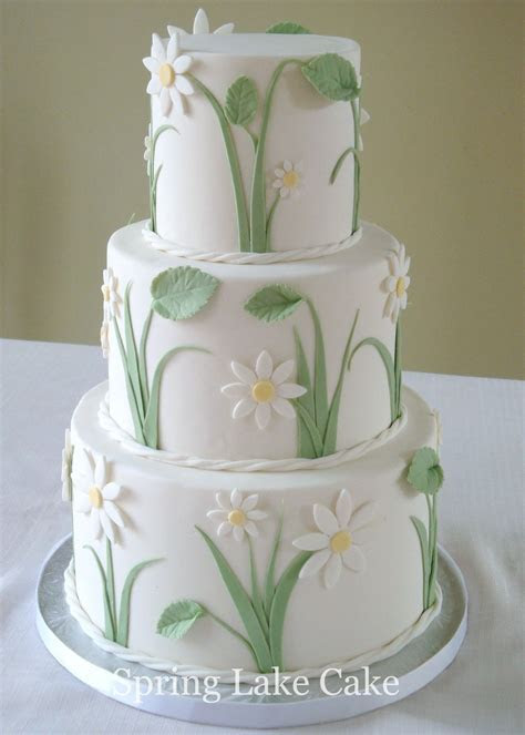 Daisy Wedding Cake   a small wedding cake, 4/6/8 inch
