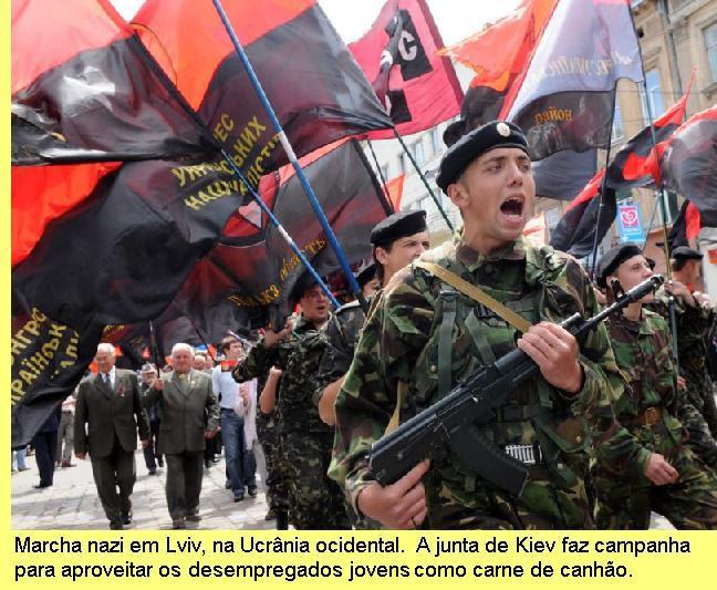 Marcha nazi em Lviv.