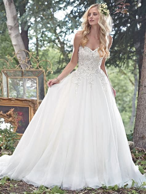 Ball Gown Sweetheart Neckline Wedding Dresses With Beads
