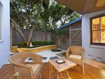 Courtyard outdoor area ideas