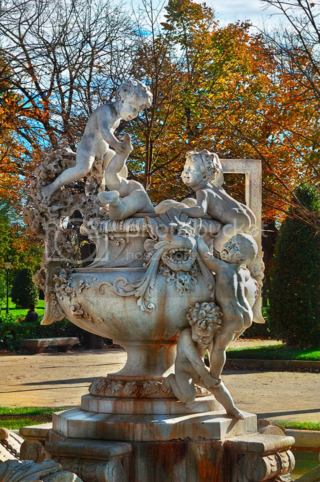 Water-Jug With Children by Josep Reynes, Ciutadella Park[enlarge]