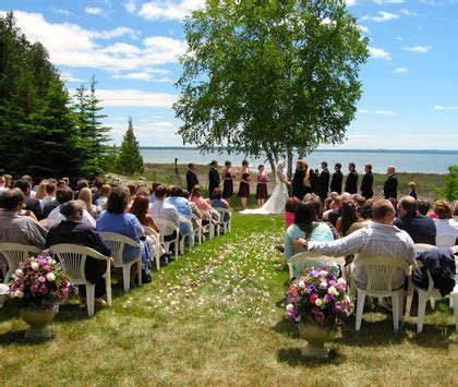 Elope Up North / Think Outside Weddings & Receptions