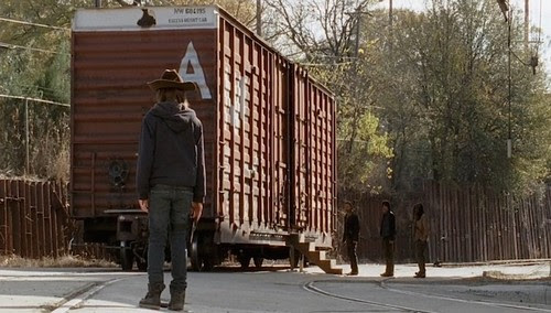 http://www.celebdirtylaundry.com/wp-content/uploads/the-walking-dead-spoilers.jpg