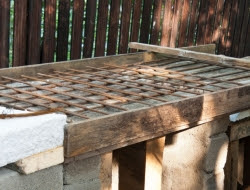 DIY Outdoor Kitchen and Pizza Oven - Concrete top