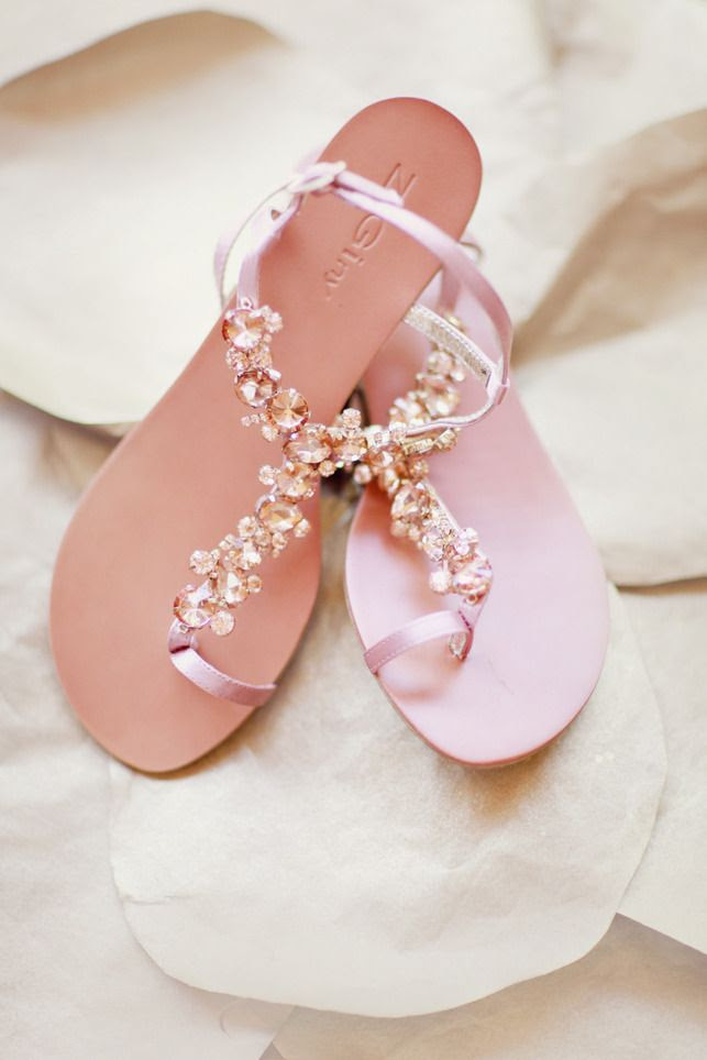 Pretty Bridal Sandals - Perfect for a Summer Wedding Photography By / http://simplybloomphotography.com