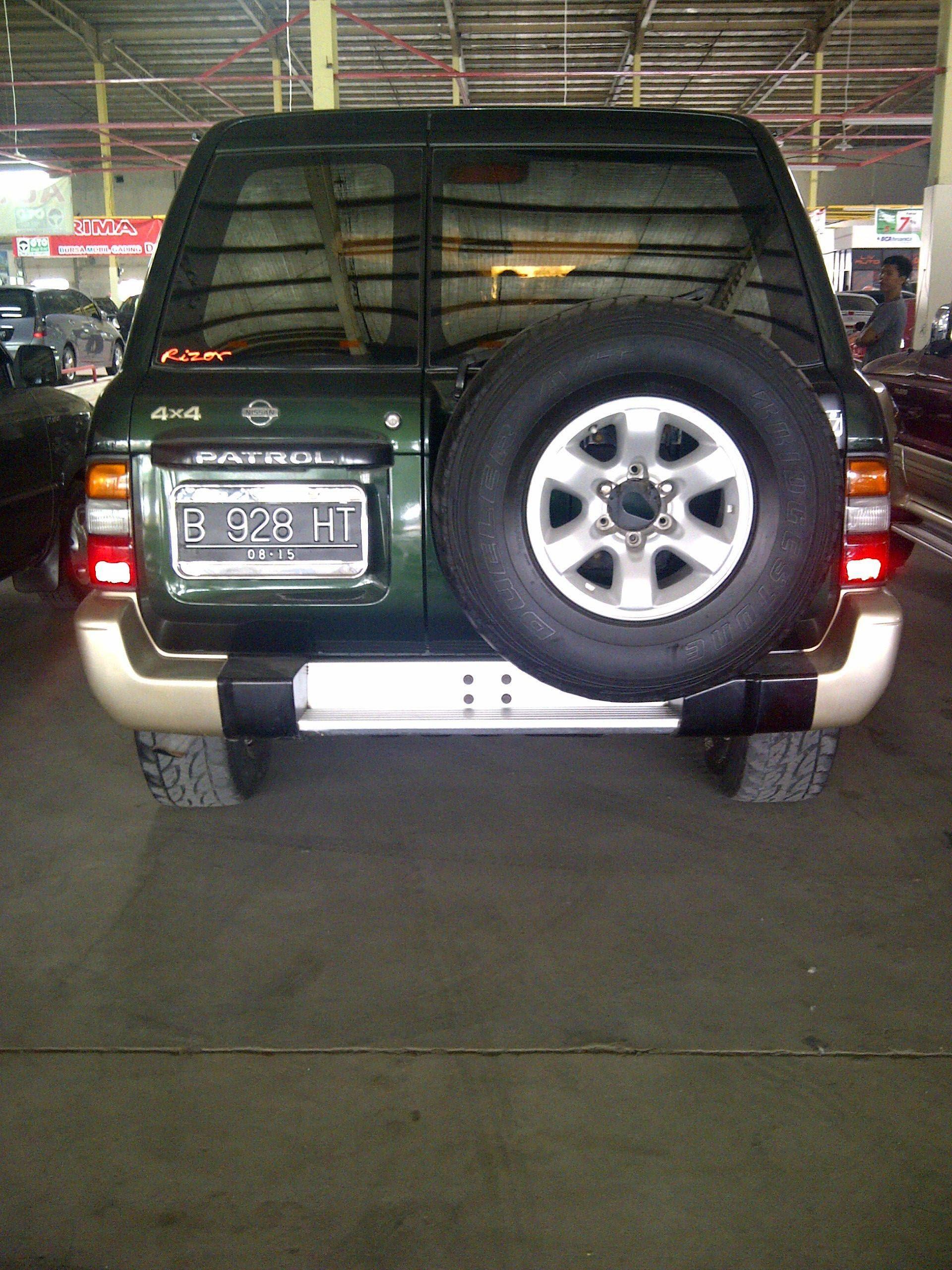 Bekas Nissan Patrol 2000 4200 Cc Green