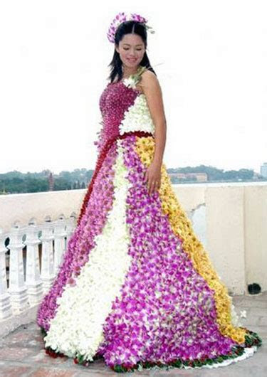 Wedding Dress Made From Flowers » Funny, Bizarre, Amazing