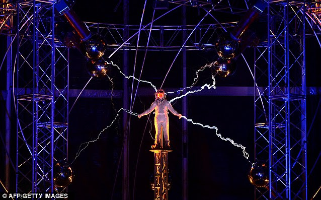 Dramatic sight: Blaine's stunt resembled a light show as the volts were pumped in