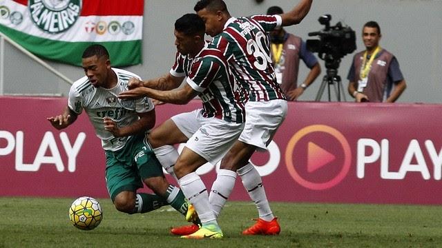 Dudu faz gol acrobático, Palmeiras joga bem e bate Fluminense