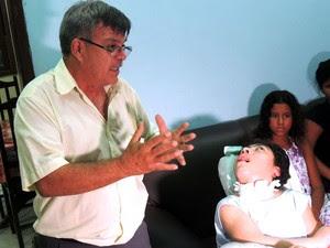 Gediel Ribeiro relata dificuldade no processo de adoção de Gean (Foto: Felipe Gibson/G1)